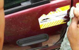 tirar adesivo do carro