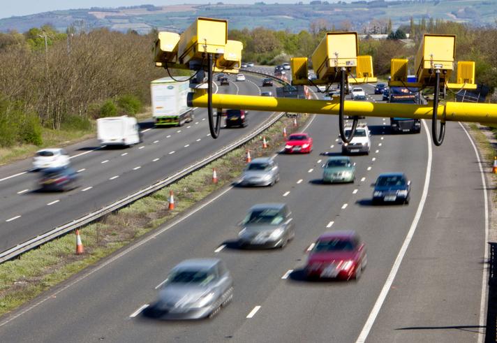 multas por excesso de velocidade