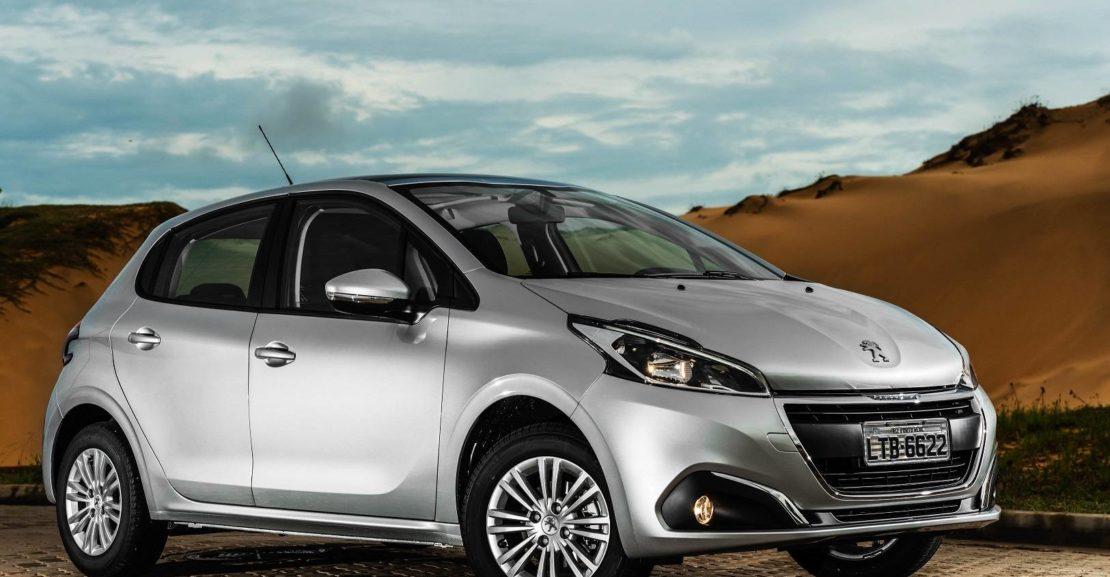 Carro Peugeot usado para ilustrar o início do texto Descubra os 10 carros mais econômicos do Brasil em 2020