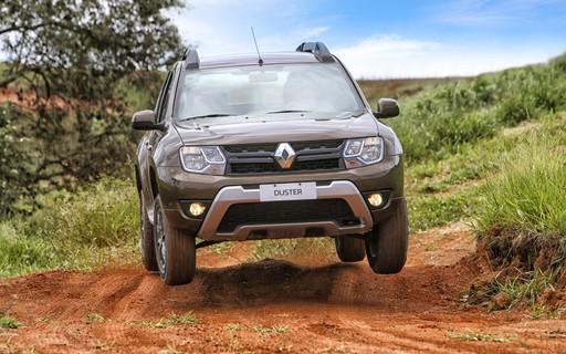 Foto do carro Duster Dynamique em uma estrada de barro. Foto para ilustrar o texto Conheça quais são os x carros 4x4 mais baratos do Brasil