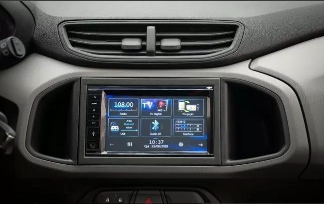 Foto da central multimídia do carro Onix