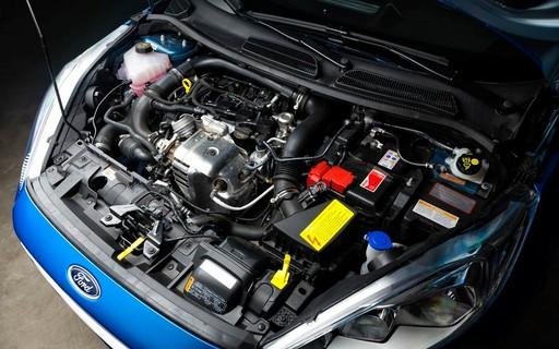 A imagem mostra um motor de carro 1.0. Foto para ilustrar o texto sobre tipos de motores de carros