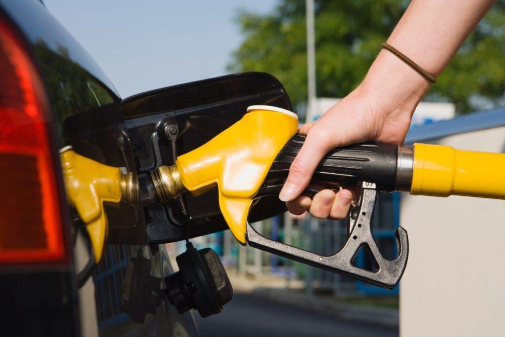 Imagem para ilustrar o texto sobre combustível adulterado