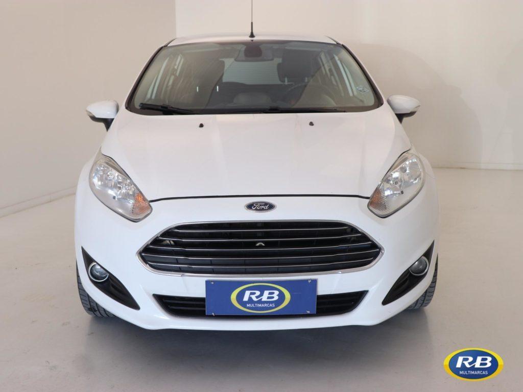 Ford Fiesta TITANIUM 1.6 Aut. 2015 full